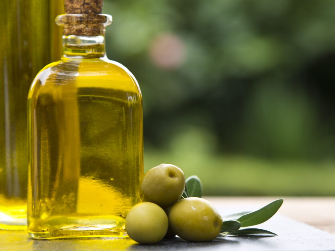 Olive oil and its benefits on health